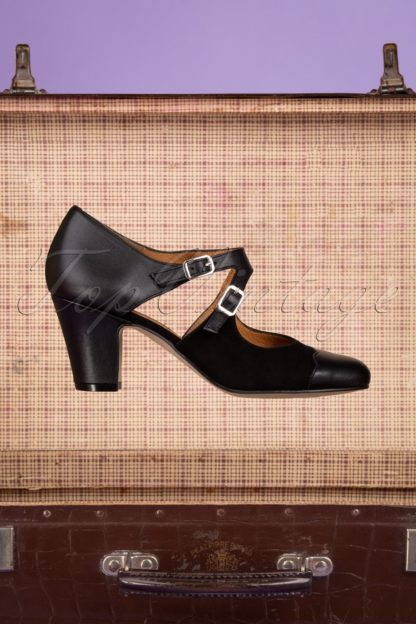 40s Days Away Leather Pumps in Black