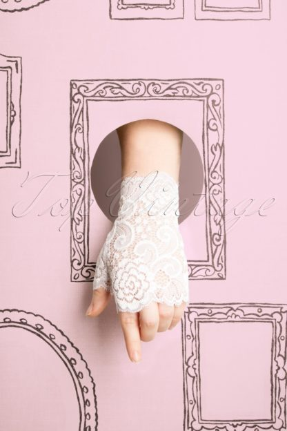 50s Angelica Lace Gloves in White