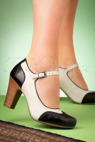 50s Jazzy Pumps in Black and Ice