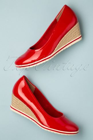 60s Rita Patent Wedges in Lipstick Red