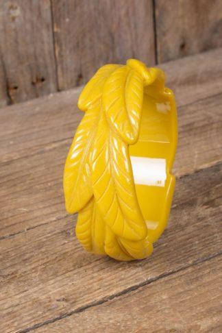 Retro Vintage Armreif im Blatt   Palmen Design, gelb von Rockabilly Rules