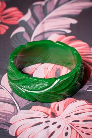 TopVintage Exclusive ~ 40s Wide Forest Heavy Carve Bangle in Green