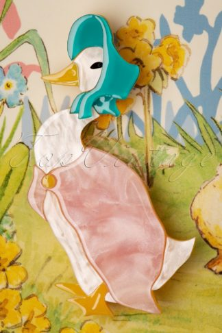 TopVintage exclusive ~ 60s Jemima Puddle Duck Brooch