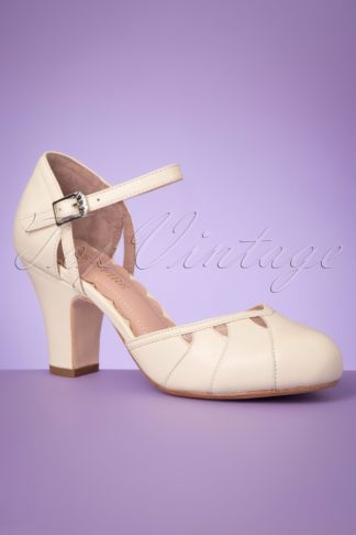 40s Lucie Cut Out Pumps in Off White
