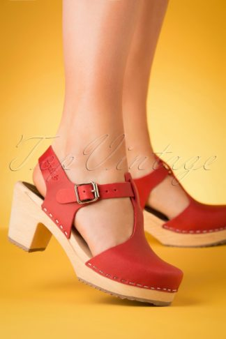 60s Highwood T-Strap Leather Clogs in Red