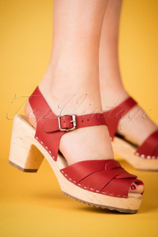 60s Loretta Leather Clogs in Red