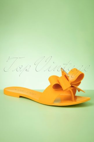 60s Lala Bow Flip Flops in Yellow