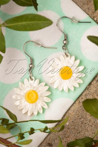 TopVintage Exclusive ~ 60s She Loves Me Daisy Drop Earrings
