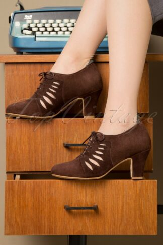40s Ava In Charge Pumps in Chocolate Brown