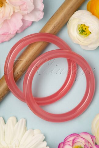 TopVintage Exclusive ~ 50s Rose Fakelite Carved Bangles Set in Rose Pink