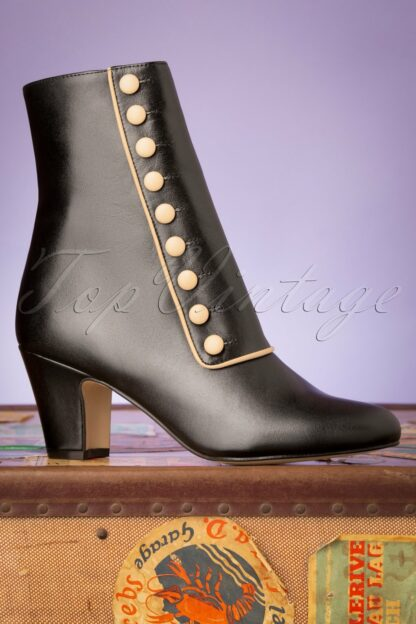 40s Former Times Leather Booties in Black
