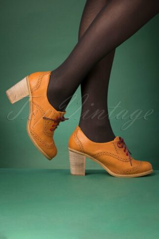 70s Betty Does Country Lace Up Shoe Booties in Tan