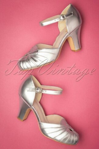 40s Amber Mary Jane Pumps in Silver