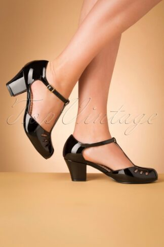 40s Robbie T-Strap Pumps in Black