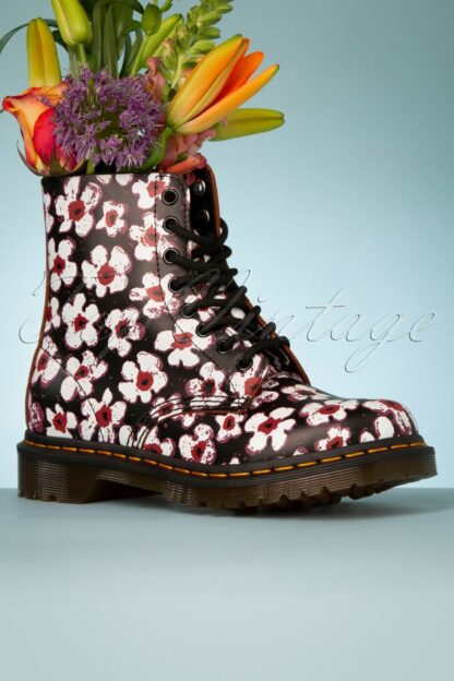 1460 Pansy Fayre Vintage Boots in Black
