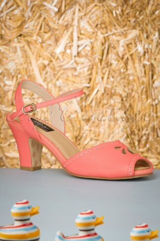 50s Ava At The Kissing Booth Sandals in Coral