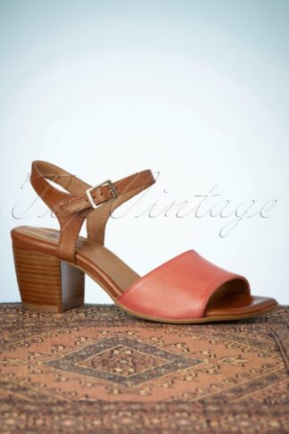 70s Jace Sandals in Coral