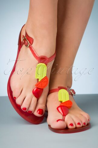 60s Noah Scented Flip Flop Sandals in Strawberry Red
