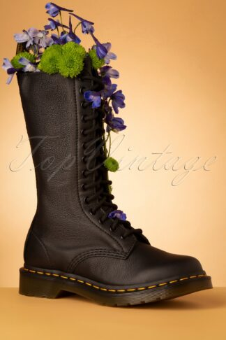 1B99 Virginia Boots in Black